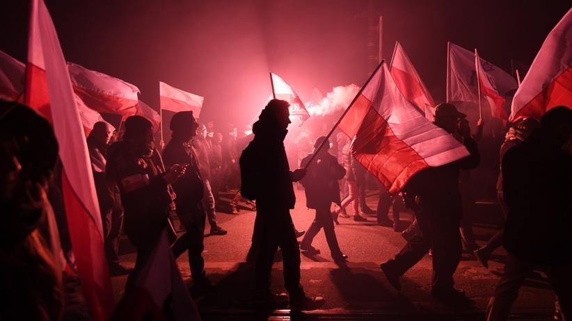 Marsz Niepodległości: uczestnicy zaatakowali kobietę. Trafiła do szpitala