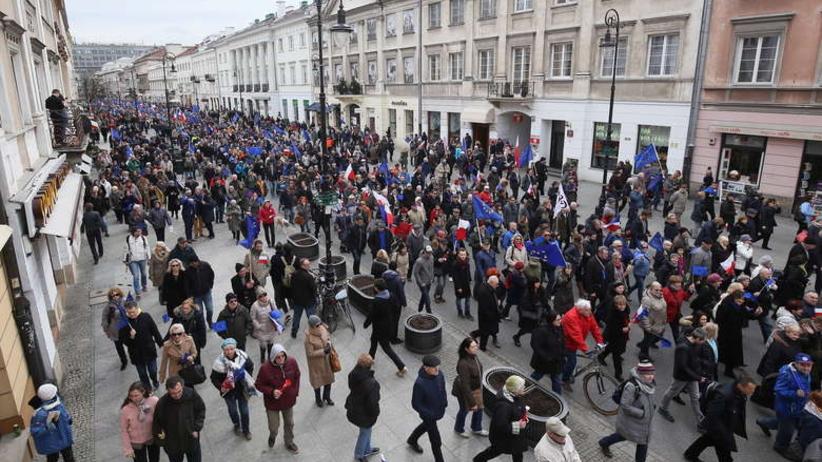 wPolityce: jak PO wyczaruje wysoką frekwencję na marszu 6 maja?