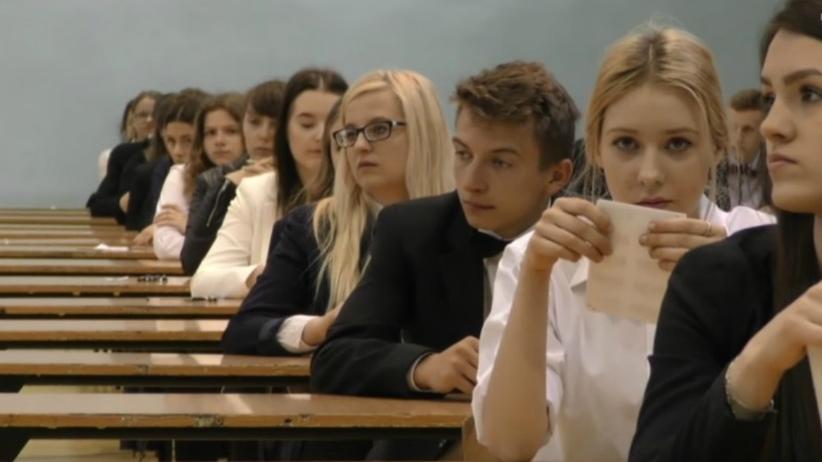 Maturzyście z Ostrowa zadzwonił telefon na egzaminie. Co teraz?