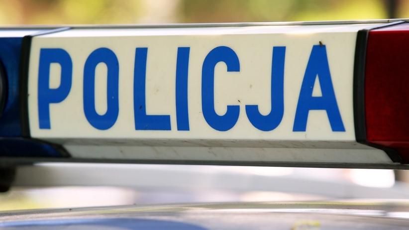 Policja szuka kierowcy, który po wypadku odjechał z dwojgiem dzieci