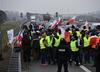 Świńskie łby na jezdni. Trwa protest rolników na A2