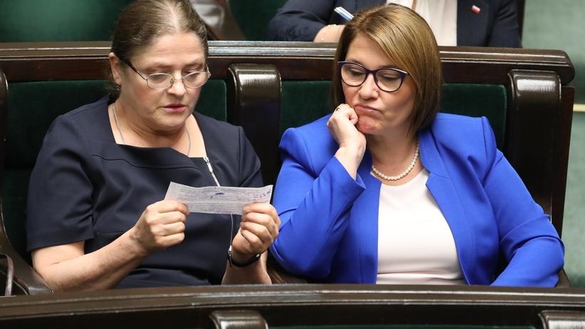 """Mazurek i Pawłowicz o fakturze ujawnionej przez """"Wyborczą"""". """"Każdy może taką wystawić każdemu"""""""