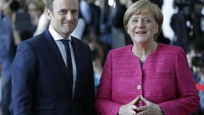 Merkel i Macron straszą Polskę sankcjami. Czy mamy się czego bać?