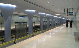Ewakuacja warszawskiego metra. Pociągi wstrzymane. Znaleziono podejrzany bagaż