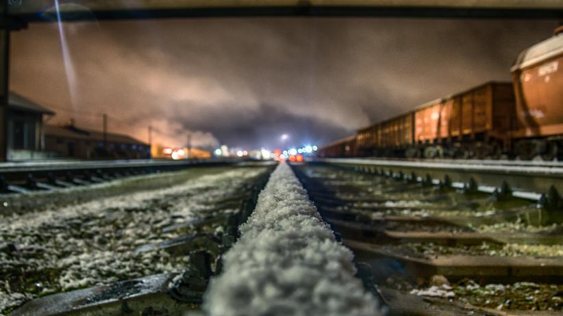 Tragiczna sylwestrowa noc w Małopolsce. Mężczyzna wbiegł pod pociąg