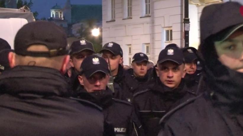 Miesięcznice smoleńskie: Rosną koszta pracy policji i bezpieczeńśtwa