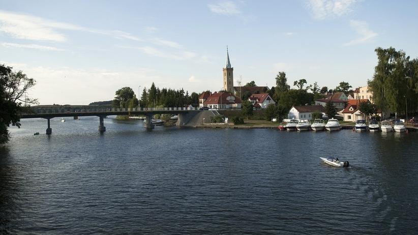 Ewakuacja w Mikołajkach. Na dnie jeziora znaleziono pocisk artyleryjski