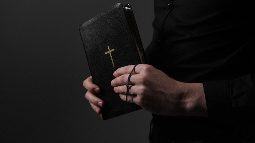Mnichów: Parafianie oskarżają proboszcza o pobicie wikarego