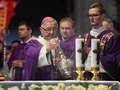 Rozpoczęła się msza w intencji Pawła Adamowicza