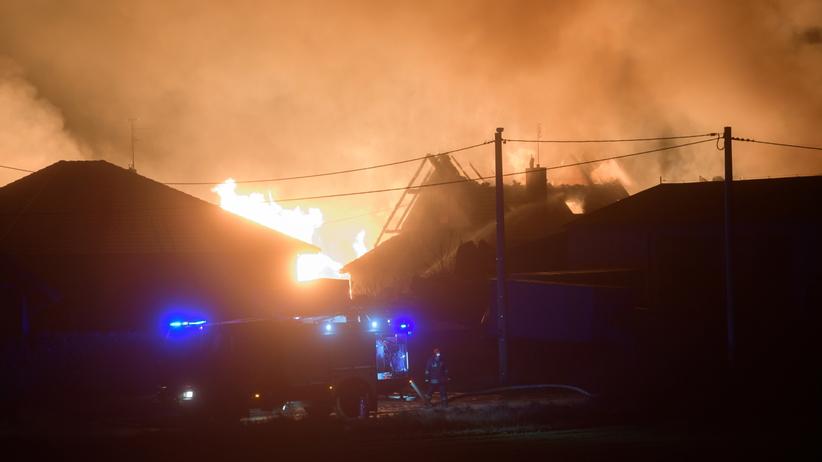 Potężny wybuch gazu w Murowanej Goślinie. Wielki pożar strawił budynki