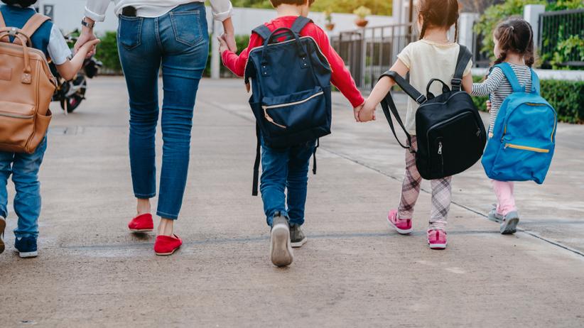 Nagie zdjęcia dzieci w internecie. Konflikt rodziców i dyrekcji szkoły