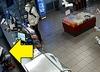 Napad na stację benzynową. Kasjer przez cały czas czytał sobie gazetę