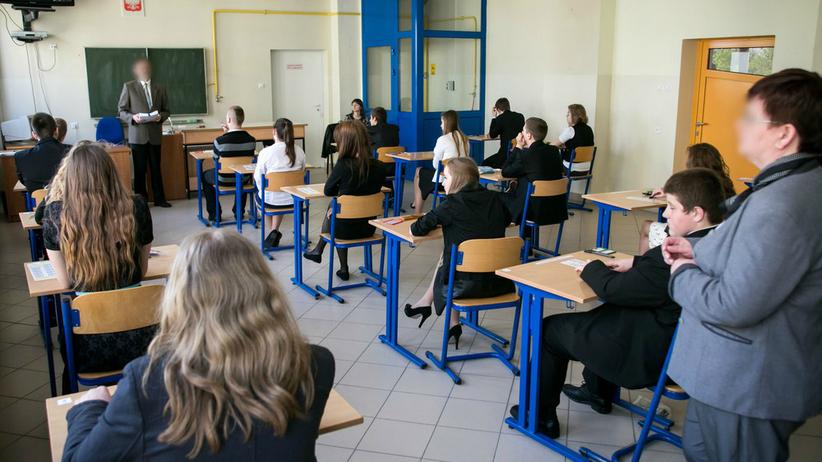 Nauczycielka poprosiła o przyniesienie kleju na lekcje. Odpowiedź matki wywołała burzę