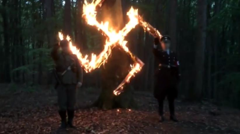 """""""Wyborcza"""": Neonaziści szykują się na urodziny Hitlera. Policja spodziewa się zamieszek"""