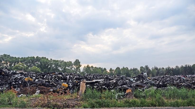 Nielegalne składowisko odpadów medycznych w Łódzkiem