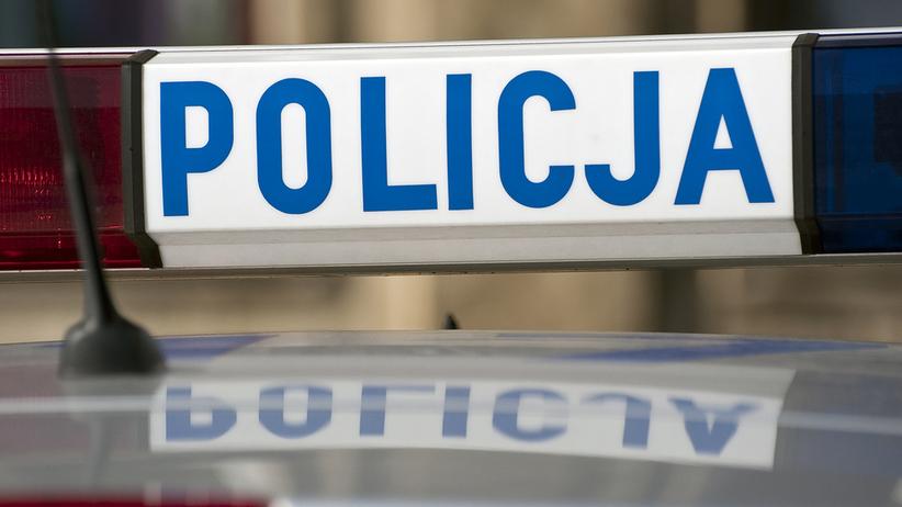 Nieznany sprawca zdemolował około 40 samochodów w centrum Krakowa