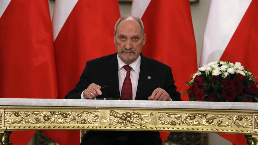 NOWY sondaż: Którym politykom ufają Polacy?