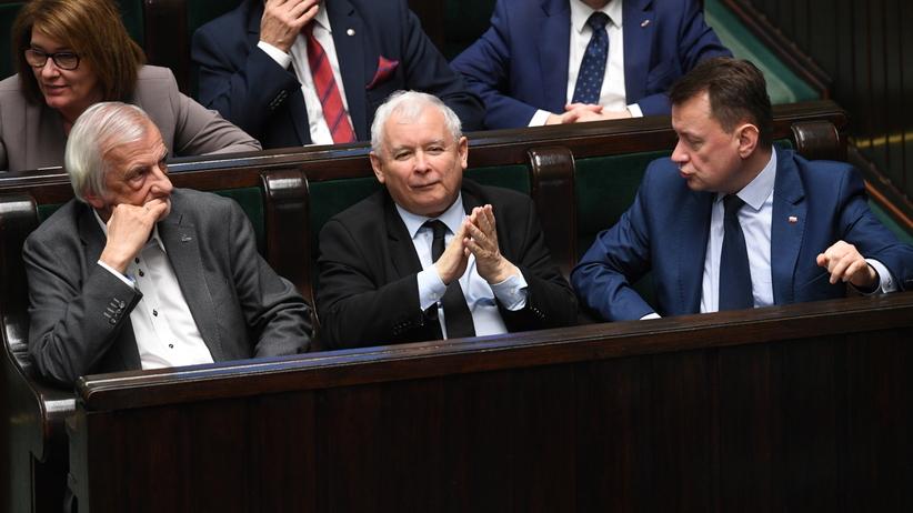 Nowy sondaż: Zjednoczona Opozycja wygrywa z PiS
