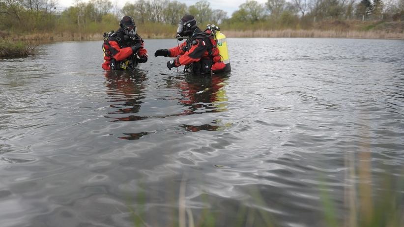 Nurkowali w jeziorze. Na dnie znaleźli zwłoki mężczyzny