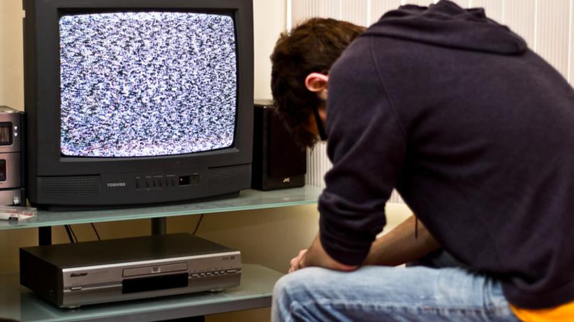Klient oglądał dziecięcą pornografię na smartfonie z ekspozycji