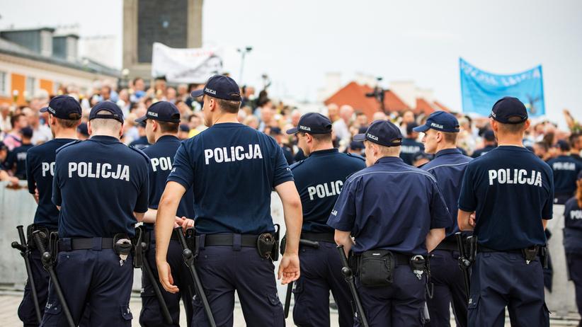 OKO.press: policja śledziła młodzieżówki partyjne podczas protestów