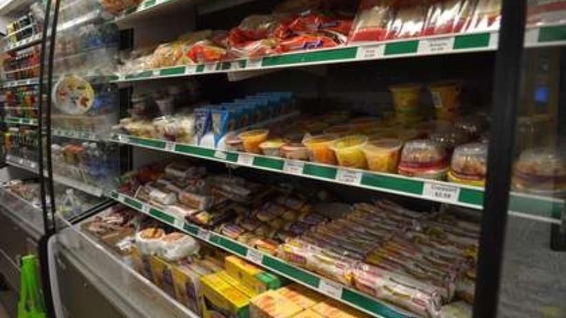 Olbrzymi pająk w sklepie spożywczym. Przyjechała po niego straż miejska [FOTO]