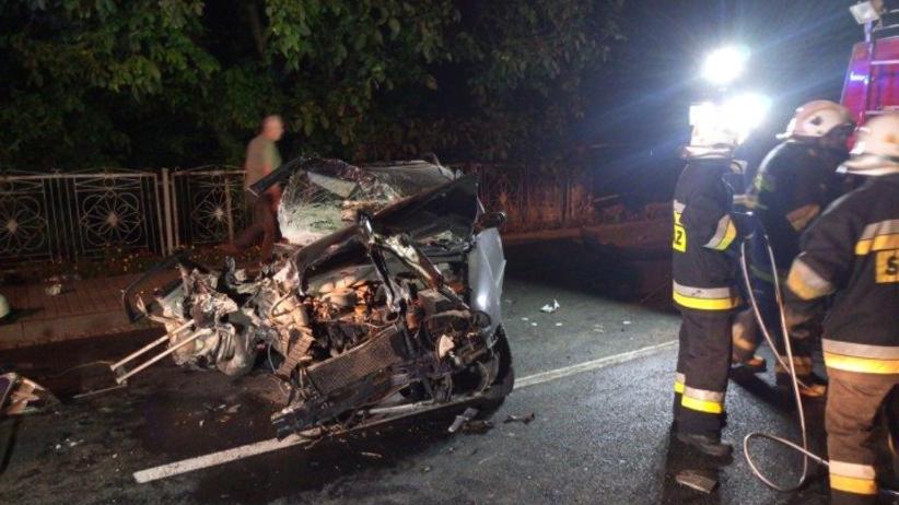 Wypadek pod Praszką. Jedna osoba nie żyje, trzy ranne