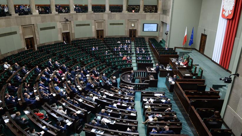 Opozycja krytycznie o projekcie zmian w Kodeksie wyborczym. PiS za dalszymi pracami