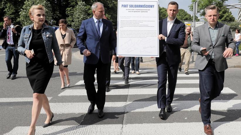 Politycy opozycji podpisali pakt solidarnościowy na rzecz osób niepełnosprawnych