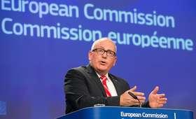Stanowcza odpowiedź Polski na ultimatum UE. Legutko: słowa Timmermansa jak ''breżniewizm''