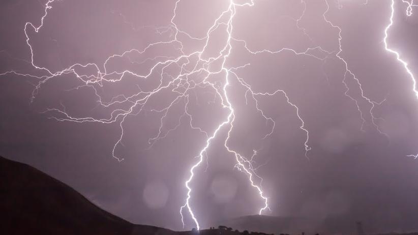 Ostrzeżenia IMGW dla 9 województw. Fala upałów i gwałtowne burze