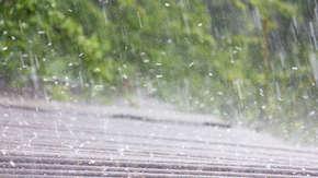 Ostrzeżenia pogodowe dla 5 województw. Nadciągają bure z gradem