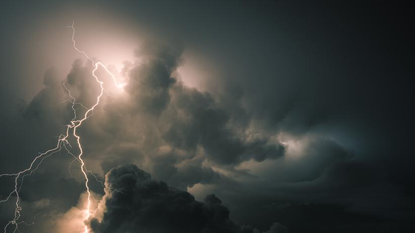 Ostrzeżenia pogodowe IMGW. Uwaga na burze z gradem