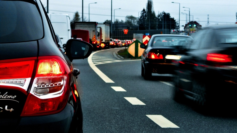 Znakomite wieści dla kierowców. Będzie taniej niż przed rokiem