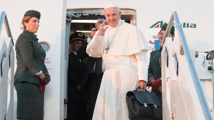 Papież Franciszek przybył na Litwę. W drodze wysłał telegram do Andrzeja Dudy
