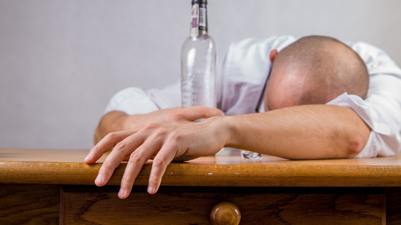 Polacy pobili niezbyt chlubny rekord. Pod względem picia alkoholu jesteśmy w czołówce