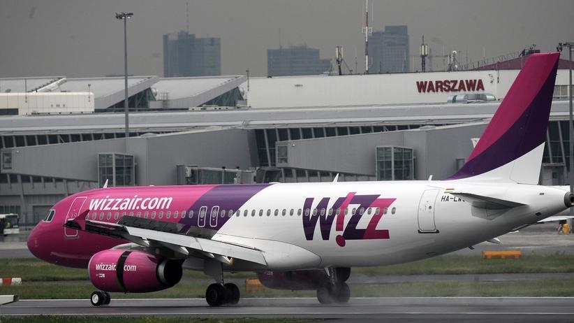 Pasażerowie samolotu ewakuowani do terminalu. Wszystko przez... dym z kieszeni