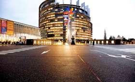 Przełomowa decyzja PE: Korporacje zapłacą podatki w kraju, w którym zarobiły