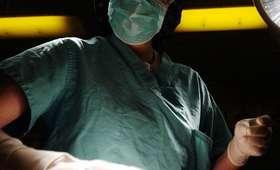 Chirurg porządnie wypił przed dyżurem. Do pracy przyszedł z ponad dwoma promilami