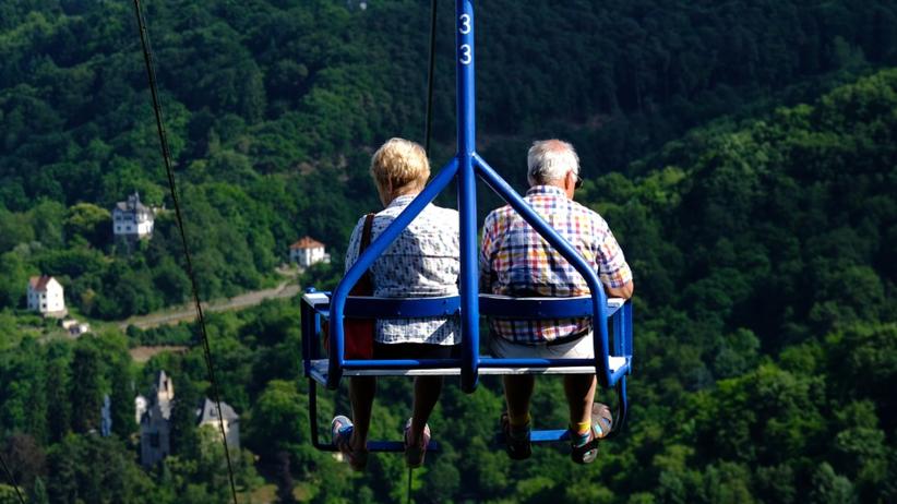 PiS szykuje rewolucję w emeryturach: wszystkim po równo