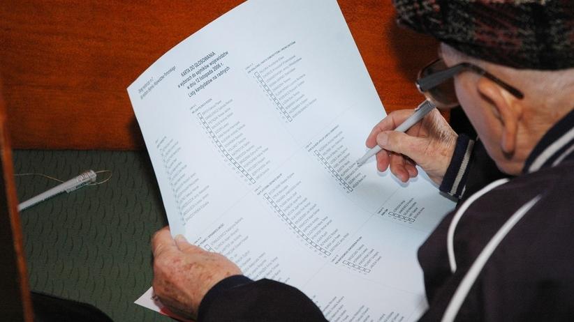 PKW wybralo tzw. płachtę jako formę karty w wyborach samorządowych