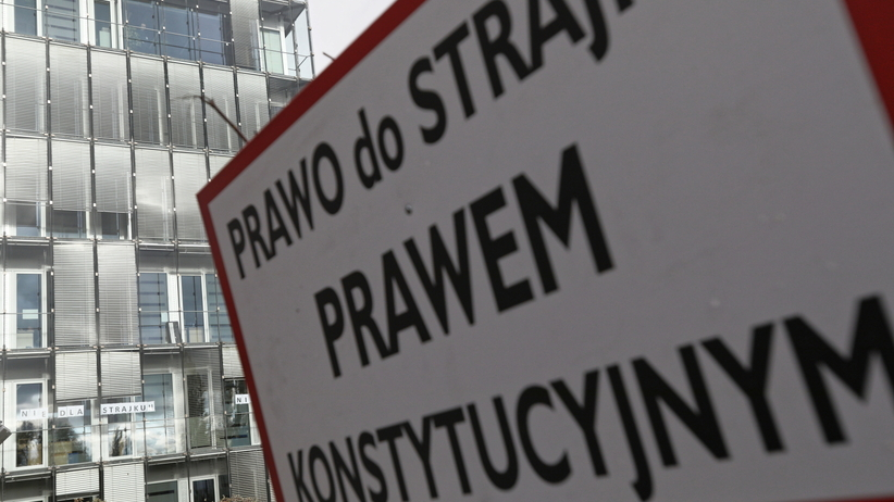Zarząd LOT przedstawił strajkującym propozycję kompromisu