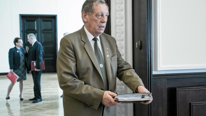 Kłopoty ministra Szyszki? PO składa zawiadomienie do prokuratury