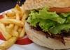 Podatek od hamburgera i frytek? Tak będą chudnąć Polacy!