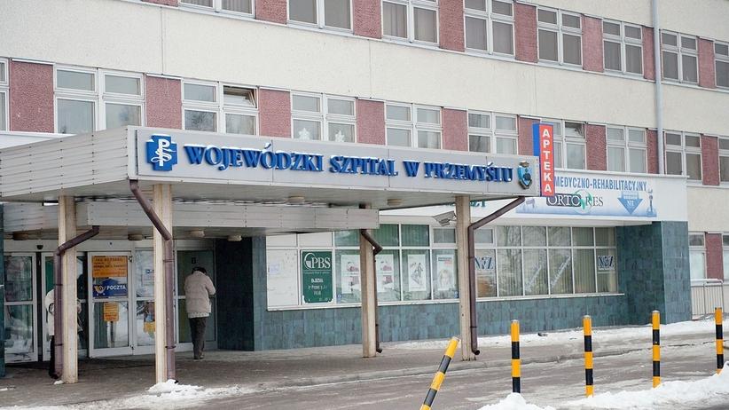 Lekarz odesłał ze szpitala 58-latka. Mężczyzna zmarł na chodniku
