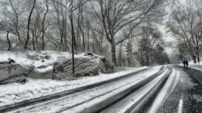 Tysiące gospodarstw bez prądu. Synoptycy zapowiadają kolejne opady śniegu