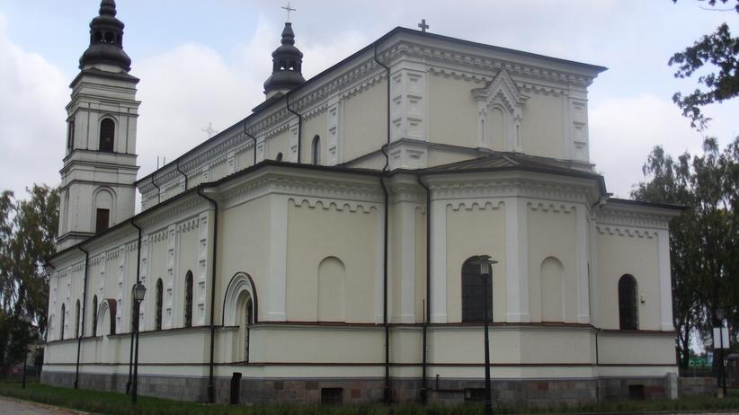 Złodzieje ukradli 20 tys. zł z jednej z suwalskich parafii
