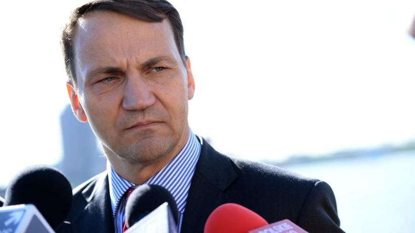 Sikorski zawiadamia prokuraturę ws. taśm opublikowanych przez TVP