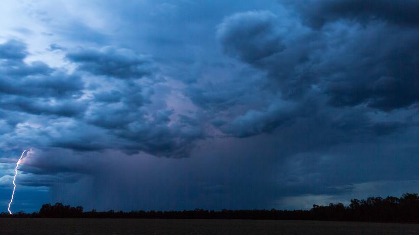Pogoda na 17 lipca. Zachmurzenie, deszcz i burze w całej Polsce