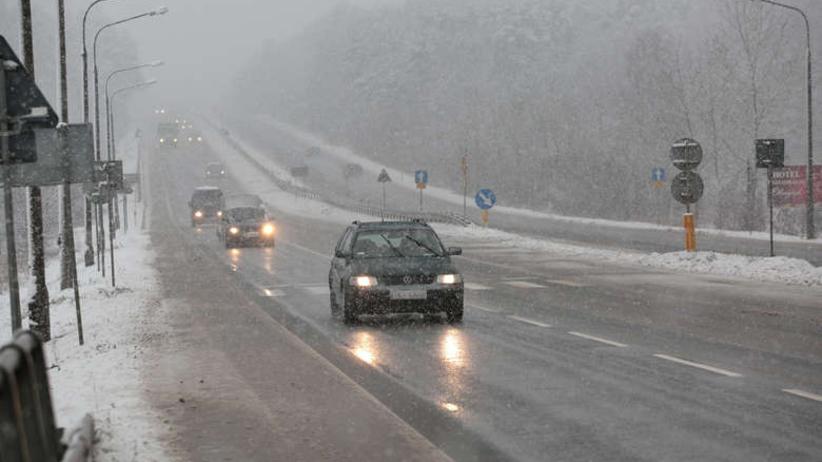 Fatalne warunki pogodowe w całym kraju. Policja apeluje! Silne oblodzenie